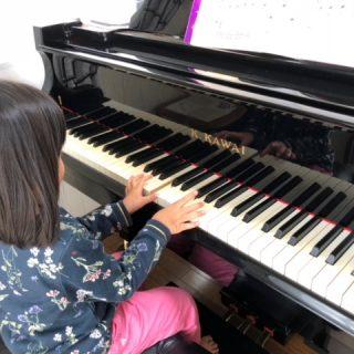 兵庫県神戸市藤原台北のピアノ教室アンシャンテ音楽教室のリトミックピアノ教室